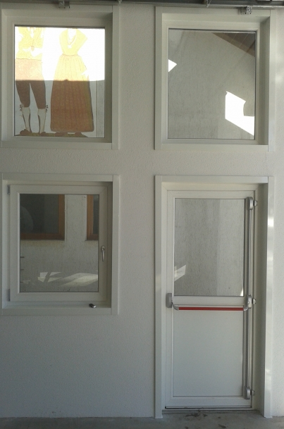 Installazione finestre e porte in pvc malerba infissi - Porte e finestre pvc ...